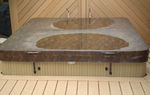 Heavy pooling hot tub cover